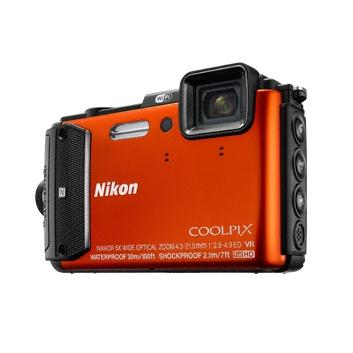 Nikon CoolPix AW130 oranžová + Diving Kit