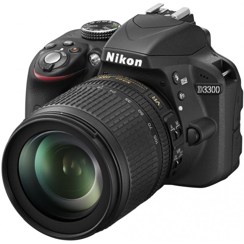 Nikon D3300 černá + 18-105 mm VR